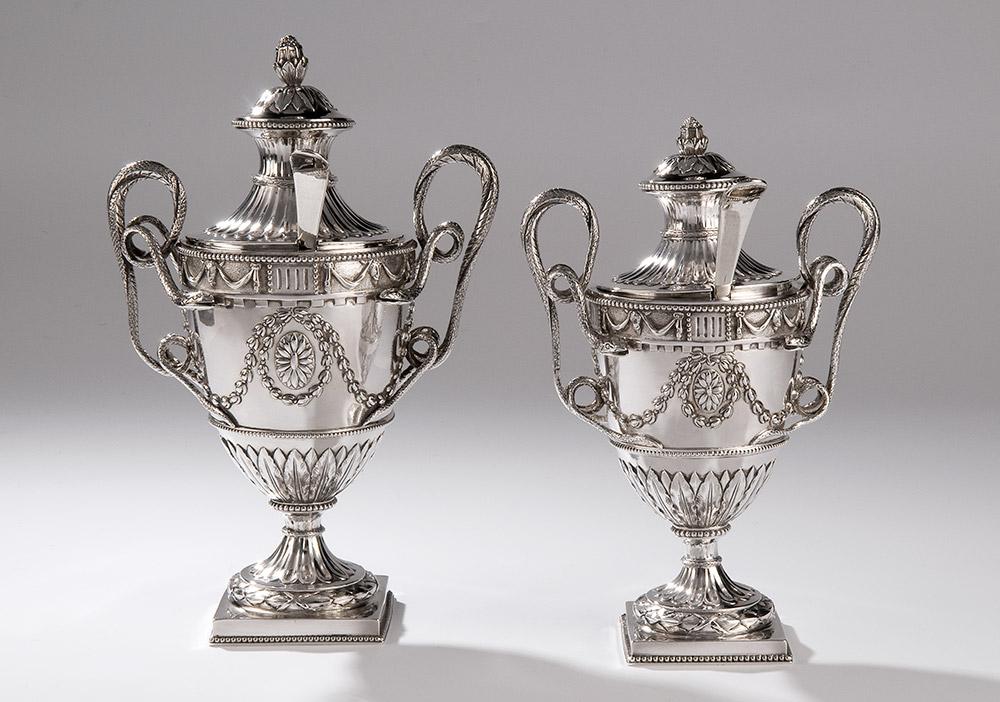 foto's van zilveren objecten