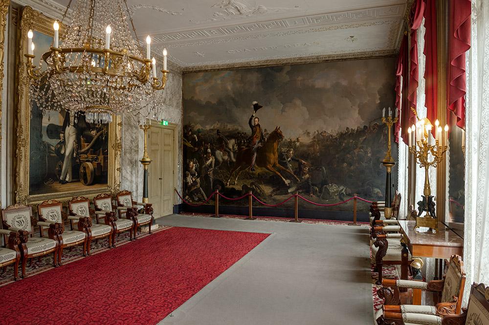 Interieurfoto van de Waterloozaal in Paleis Soestdijk