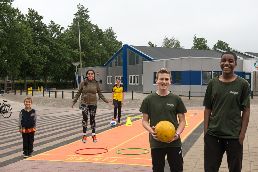 Kinderen spelen samen in Almere