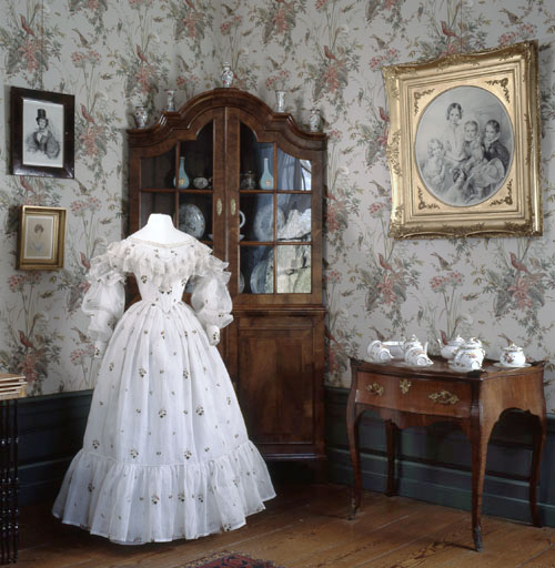 Antieke jurk gefotografeerd door Margareta Svensson